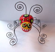Polymer clay Lady Long Legs Photo Holder ladybug by jodieflowers Wire Crafts, Polymer Clay Crafts, Paperclay, Wire Art, Art Club, Art Plastique, Clay Projects, Teaching Art, Elementary Art