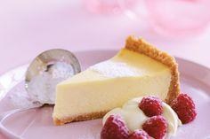 Classic baked vanilla cheesecake