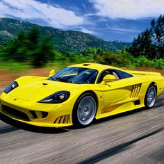 Aggressive, yellow Saleen S7