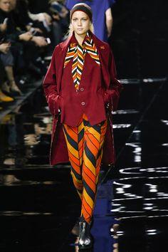 Issey Miyaki Fall 2015 RTW Runway - Vogue -Paris Fashion Week