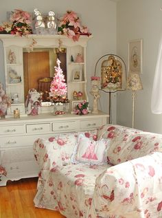 Living Room by Bluebird Becca, via Flickr