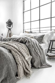 48 Amazing Winter Bedding Ideas To Get A Cozy Bedroom Bedding Master Bedroom, Cozy Bedroom, Bedroom Inspo, Modern Bedroom, Bedroom Decor, Modern Bedding, Dark Bedding, Bedroom Ideas, Contemporary Bedroom