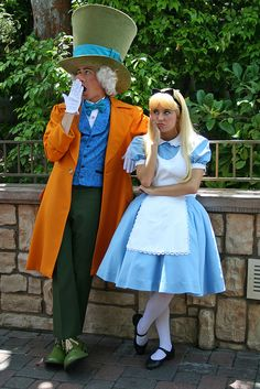 ALICE IN WONDERLAND~Alice & Madhatter @ Disneyland