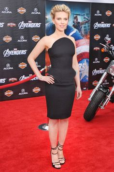 In Versace, she arrives at the Los Angeles premiere of The Avengers.   - ELLE.com