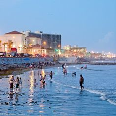 Galveston Island Is Located On The Coastline Of Texas Just 50 Miles South Houston Explore Treasures It Has To Offer 32 Beaches