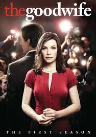 Good Wife (2009-2016) Peter es un popular político que acaba en la cárcel por malversación de fondos y escándalo sexual. A partir de entonces, la vida de su esposa , se desmorona. Deberá rehacer su vida, tras sufrir la humillación de comparecer en público a su lado. Para ello, reanuda su trabajo de abogada en un prestigioso bufete.  La serie se inspira en un caso real: el del Gobernador de Nueva York Eliot Spitzer, que perdió su cargo por un escándalo sexual con una prostituta de lujo.
