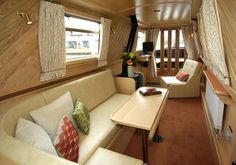 15 ideas for liveaboard boats interior Barge Interior, Interior Design, Interior Ideas, Canal Boat Interior, Sailboat Interior, Liveaboard Boats, Narrowboat Interiors, Floating House, Floating Boat
