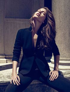 Emily Didonato by Miguel Reveriego for Vogue Spain