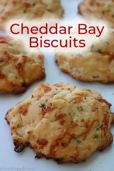 If you are a fan of Red Lobster Cheddar Bay Biscuits, you will want to make these Homemade Cheddar Biscuits. They are simple to make, and this CopyCat recipe is delicious. Red Lobster Biscuits, Cheddar Bay Biscuits, Drop Biscuits, Angel Biscuits, Buttermilk Biscuits, Bisquick Recipes Biscuits, Copycat Bisquick Recipe, Homemade Biscuits, Betty Crocker