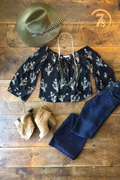- Southwest saguaro pattern crop top - Cactus green mustard and terra cotta southwest cacti - Black throughout - Off the shoulder cut with elastic gathered neckline with tie - Loose sleeve with longer Western Chic, Western Wear, Summer Outfits, Cute Outfits, Vacation Outfits, Summer Clothes, New Fashion, Autumn Fashion, Fashion Women