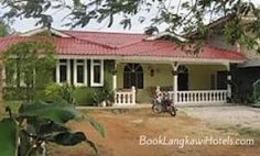 Zue Roomstay http://www.booklangkawihotels.com/zue-roomstay/
