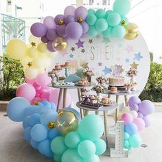 ideas for luau party games for kids baby shower Luau Party Games, Party Kulissen, Shower Party, Baby Shower, Balloon Decorations, Birthday Party Decorations, Birthday Party Invitations, Invitaciones Candy Land, First Birthday Parties
