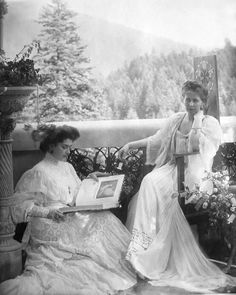 Queen Marie of Romania Gallery / Nadejde Stirbey Crown Princess Marie 1903 Romanian Royal Family, Lady In Waiting, Asian History, British History, Queen Victoria, Royal House, Queen Mary, Vintage Photographs, Royal Families