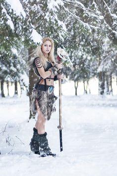 f Druid Staff Forest hills snow Wolf woman druid shaman larp fantasy Tribal Warrior, Viking Warrior, Warrior Girl, Viking Woman, Fantasy Warrior, Warrior Princess, Warrior Women, Fantasy Women, Fantasy Girl