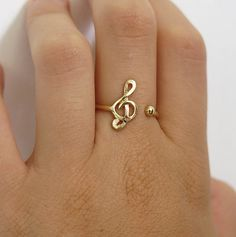 treble clef ring gold filled ring music note ring by sohocraft Music Jewelry, Jewelry Crafts, Jewelry Accessories, Women Jewelry, Agate Jewelry, Cute Rings, Fantasy Jewelry, Love Ring, Ring Necklace