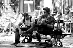 """2° riScatto urbano (Montmartre, Parigi) di Ludovica Maria Busdraghi. Saranno conteggiati i """"mi piace"""" al seguente post: https://www.facebook.com/photo.php?fbid=10201879993139854=o.170517139668080=1"""