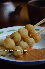 Diah Didi's Kitchen: Resep Dan Foto Cilok..Baru..^^ Diah Didi Kitchen, Pork Loin, Pretzel Bites, Baked Potato, Catering, Cooking Recipes, Bread, Snacks, Vegetables