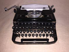 Mechanische Schreibmaschine Erika 9, Seidel & Naumann antiques typewriter