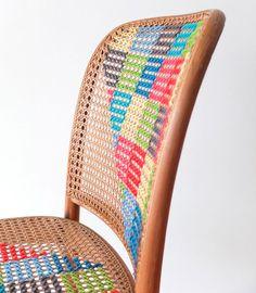 Cadeira de palha com ponto cruz                                                                                                                                                                                 Mais