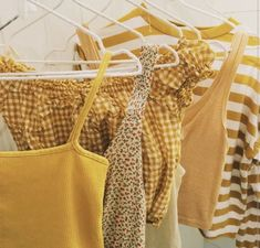 Mellow yellow, not so much! Yellow crop top, yellow tank top, yellow gingham, yellow stripes-- going all in here. Applis Photo, Summer Outfits, Cute Outfits, Classic Outfits, Aesthetic Colors, Aesthetic Yellow, Moda Vintage, Inspiration Mode, Shades Of Yellow