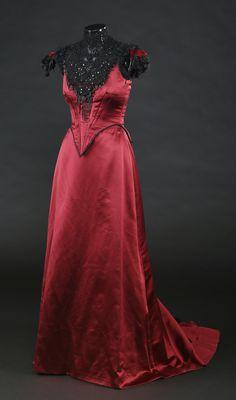 72651_Vanessa-Ives-Evening-Gown_2.jpg (2748×4668)