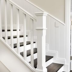 Staircase Banister Ideas, White Staircase, House Staircase, Staircase Remodel, Banisters, Stairs White And Wood, Stair Case Railing Ideas, White Banister, Stair Railing