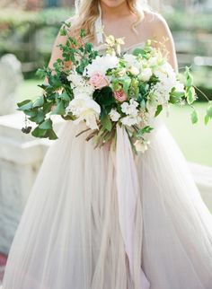 Beautiful bouquet: http://www.stylemepretty.com/2015/05/17/elegant-ethereal-wedding-inspiration/ | Photography: Vasia - http://www.vasia-weddings.com/