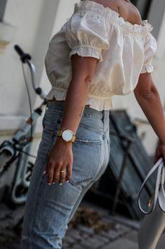 FAVORITE PAIR OF SUMMER JEANS 2018 - CASUAL SUMMER OUTFIT - summer jeans, jeans for summer, distressed, revolve, american style, summer outfit, casual summer outfit, mihabalan.com, white summer top,outfit summer #denimfashion #denim #jeans #revolveclothing #summerstyle #summeroutfits #outfitideas #casualstyle #streetstyle #editorial
