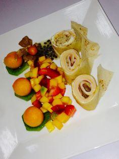 Wrap de salami con frutas tropicales