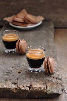 espresso with macaroon