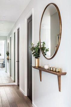 Minimalist entryway decor ideas Round mirror for home decor ideas Room Decor Bedroom, Diy Room Decor, Living Room Decor, Small Apartment Decorating, Hallway Decorating, Entryway Decor, Entryway Mirror, Apartment Entryway, Entryway Storage