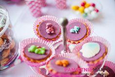 Słodki stół na pierwszych urodzinach Natalki
