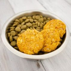 These Pumpkin Chickpea Patties are so easy to make, and your fur baby is going to love them!About a month before Fall actually starts, I cannot Dog Biscuit Recipes, Dog Treat Recipes, Healthy Dog Treats, Dog Food Recipes, Doggie Treats, Vegan Recipes, Homemade Dog Cookies, Homemade Dog Food, Homemade Ketchup