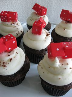 Bunco cupcakes...would be cute with pink dice