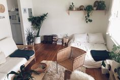 Image via We Heart It #decor #inspiration #plants #room #style #white