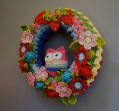 Crochet Owl Wreath by Laurie Leonard  www.FuzzpotLane.etsy.com by FuzzpotGirl, via Flickr