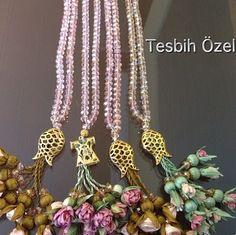 By tesbih özel Damat bohçası-kutu-gelin- gifts- bride-bridal-groom-turkish culture- engagement-bişan söz bohcası- gift box-suit box-ottoman silk-bursa- seccade/ kayınvalide-kayınpeder- kardeş- brother-ayakkabı kesesi-customized-tesbih ceyiz Beaded Flowers, Fabric Flowers, Beaded Jewelry, Beaded Necklace, Before Wedding, Ribbon Work, Prayer Beads, Beads And Wire, Ribbon Embroidery