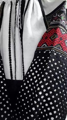 Читайте також Модернізовані вишиванки від Роксолани Богуцької та Оксани Караванської Дитячі вишиванки: підбірка ідей Традиційні та сучасні: ідеї жіночих вишитих сорочок Стильні вишиванки від Віти … Read More