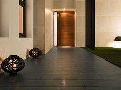 Pavimento porcelánico técnico On Timber Black Lappato 22x90 cm