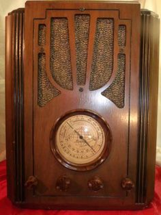 1936 SILVERTONE TOMBSTONE TABLETOP TUBE RADIO MODEL #4405-BEAUTIFUL FARM SET!!