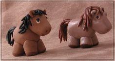 sugarpaste horse topper