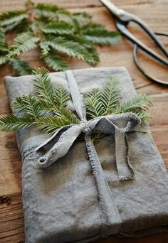 http://www.redonline.co.uk/interiors/easy-to-steal-ideas/christmas-wrapping-present-ideas