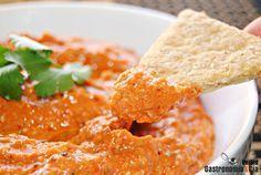 Muhammara (crema de pimientos rojos asados con nueces, original de Siria) https://www.pinterest.com/maiteblancop/cocina-internacional/