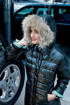 Fur hood (furhoods) Tags: fur hood down puffer winter coat jacket shiny Cool Jackets, Jackets For Women, Hooded Winter Coat, Down Puffer Coat, Elegantes Outfit, Puffy Jacket, Snow Suit, World Best Photos, Winter Fashion