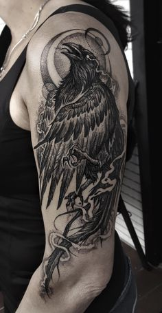 Finished this birb on my mom's arm in a two day session á 6 hours. She's an absolute beast. Celtic Raven Tattoo, Crow Tattoo For Men, Crow Tattoo Design, Sketch Tattoo Design, Norse Tattoo, Moon Tattoo Designs, Celtic Tattoos, Cool Back Tattoos, Back Tattoos For Guys