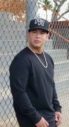 Mi amor! Hombre más hermoso del mundo Daddy Yankee, Puerto Rican Men, Latino Artists, Puerto Rican Singers, The Big Boss, Puerto Ricans, American Singers, Record Producer, Gorgeous Men