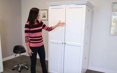 Se näyttää aivan tavalliselta kaapilta, mutta kun nainen avaa ovet sisältä paljastuu jotain uskomatonta!