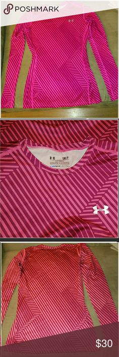 Under Armour Cold Gear Fitted Shirt SM/P Under Armour Cold Gear Fitted Shirt SM /P  Coupe Ajustee. Under Armour Tops