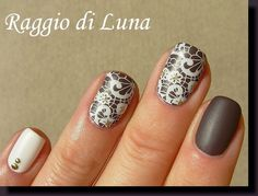 Born Pretty Store review Stamping plate BP-02 - White stamping flowers on taupe LINK KIKO SO STYLISH TAUPE