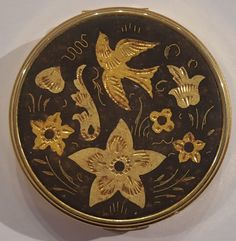 Vintage bird and flowers on gold tone ladies small unused powder COMPACT